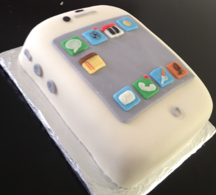 Baby Birthday Cake on Baby S First Birthday Cake   It S An Iphone    Iphone  Ipad  Ipod
